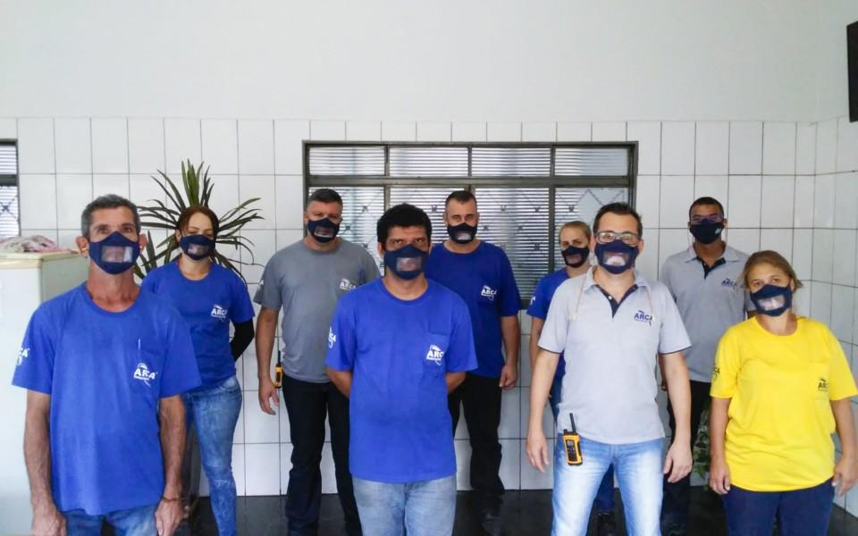 INCLUSÃO E RESPEITO À DIVERSIDADE – ARCA Retentores entrega máscaras inclusivas 3D